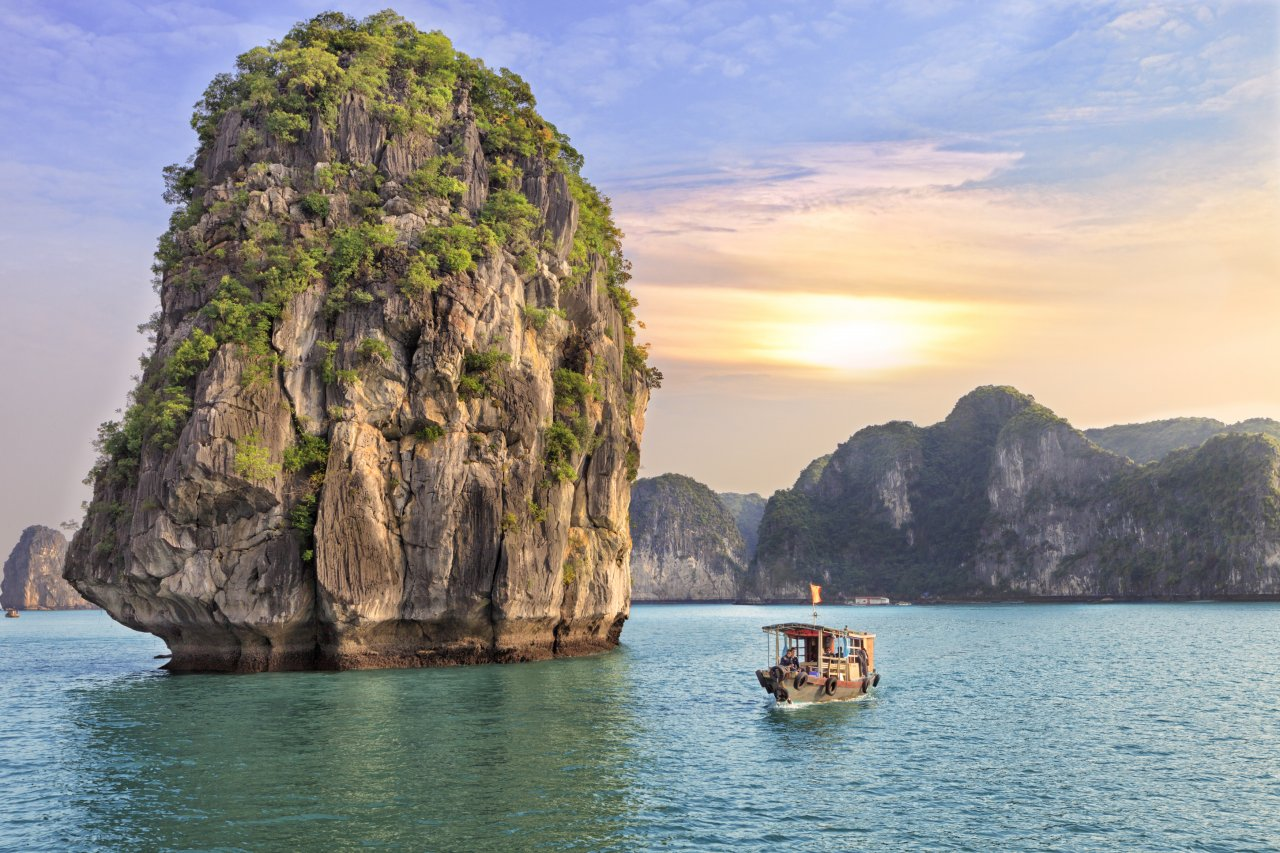 Best places to visit in Vietnam - Halong Bay
