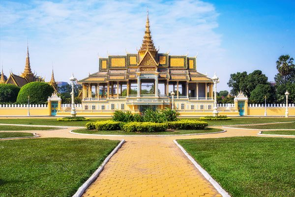 visit Phnom Penh royal palace