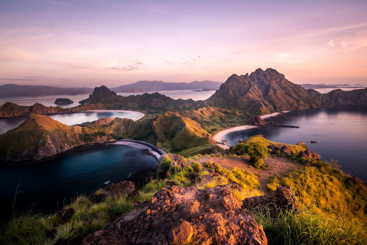Island Hopping Indonesia - Padar Island Pink Beach