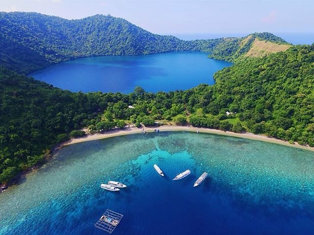 Island Hopping Indonesia - TruTravels