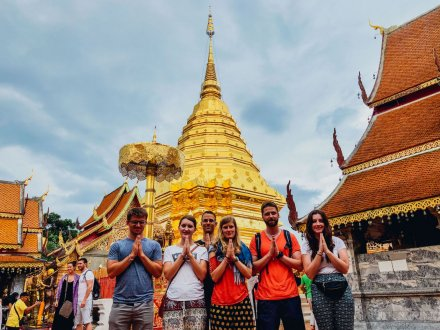 A group photo at Wat Phra Singh Chiang Mai Thailand